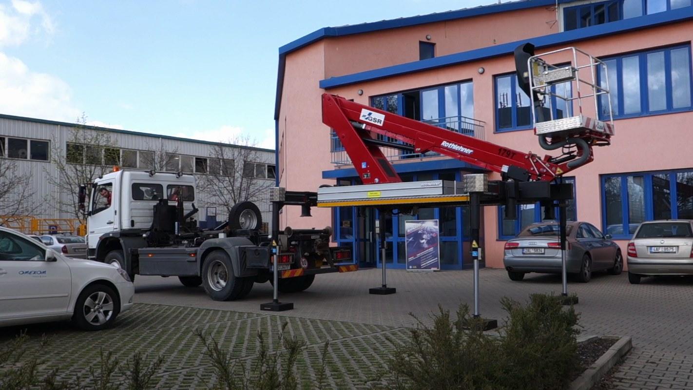 E179-pro-nosic-kontejneru_05